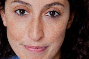 Olivia Elkaim : l'apprentissage de la maternité en milieu hostile