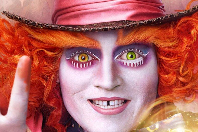 """""""Alice de l'autre côté du miroir"""" sur les écrans français mais aussi en livre"""