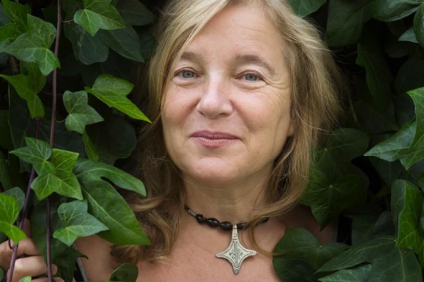"""Elise Fontenaille : """"Ecrire un roman d'amour, c'était mon défi !"""""""