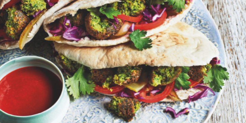 Recette de falafels simple avec une pointe de tradition de Sabrina Ghayour, auteure du livre « Simply ».